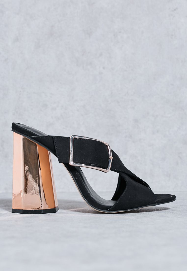 Maxi buckle with rose gold heel