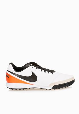 Football Shoes Soccer Shoes Online Shopping At Namshi In