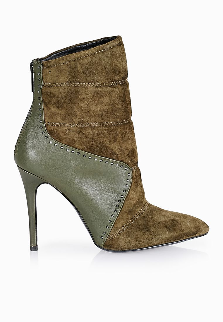 Mazzari Pointed Toe Quilted Booties