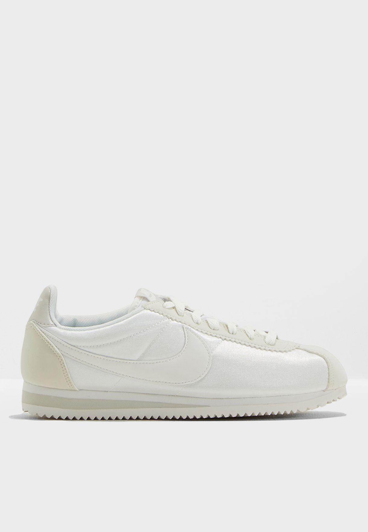 Shop Nike Weiß Classic Cortez Nylon 749864 749864 749864 103 for Damens in Qatar ... 439608