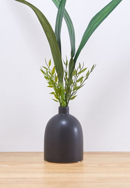 Shop Noire Edit Black Contemporary Vase Nv06 For Women In Oman