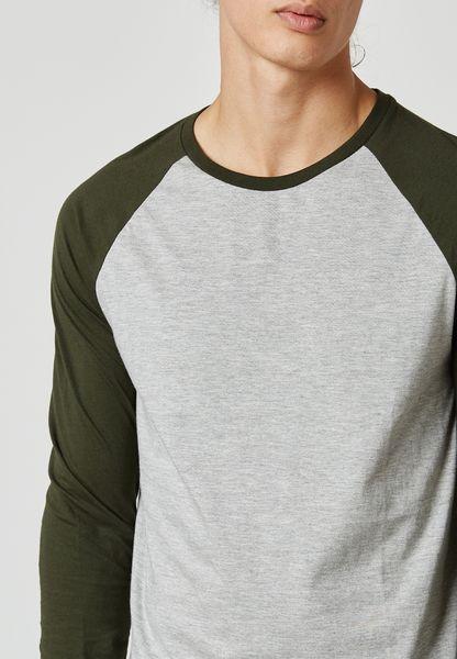 Burton. Raglan T-Shirt