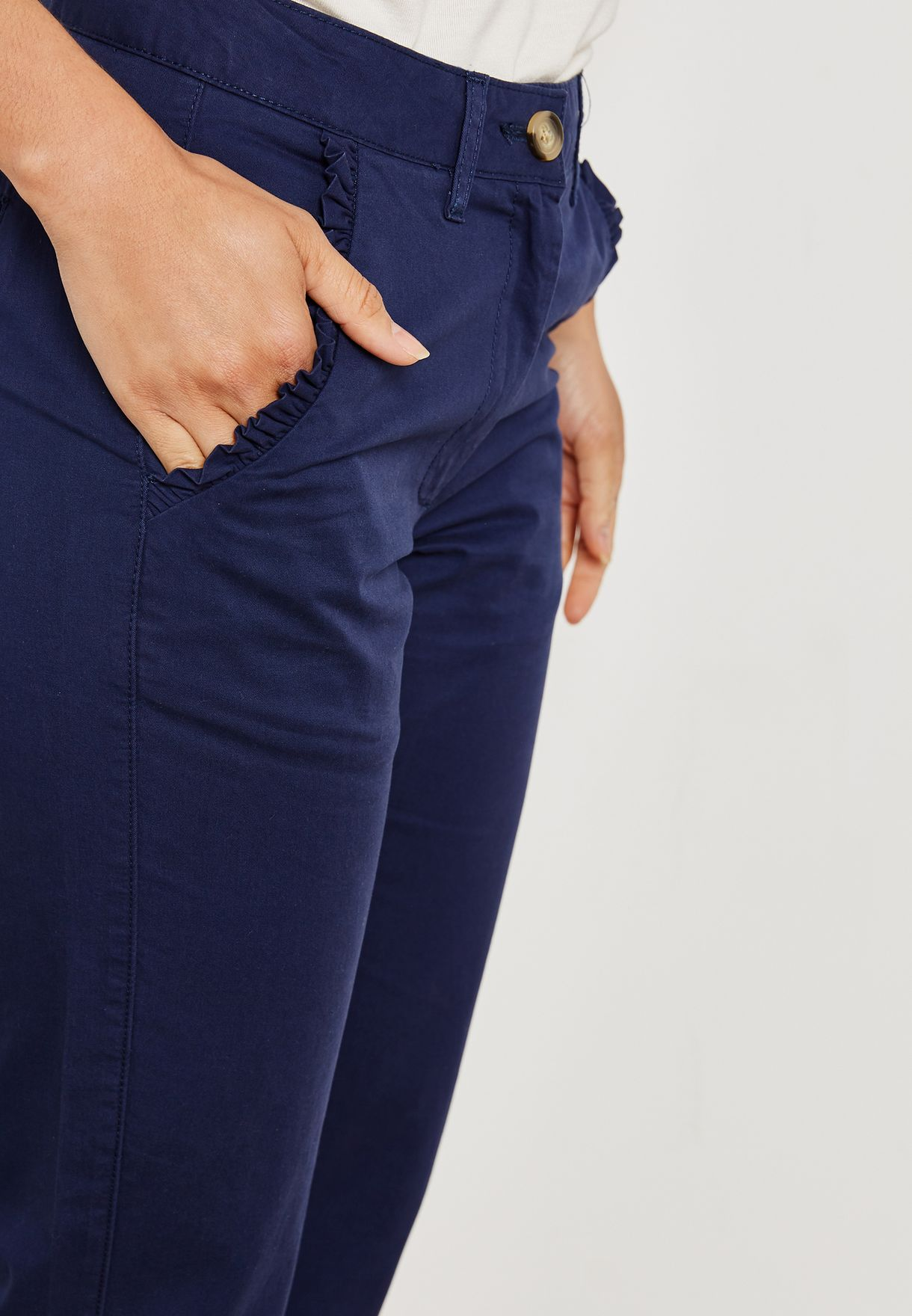 Ruffle Pocket Detail Crop Pants
