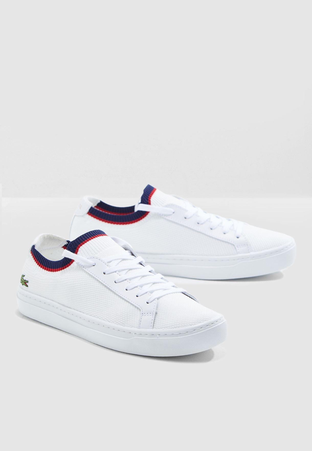 حذاء سنيكرز بمقدمة دائرية