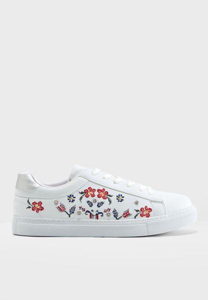 T Metchy Sneaker