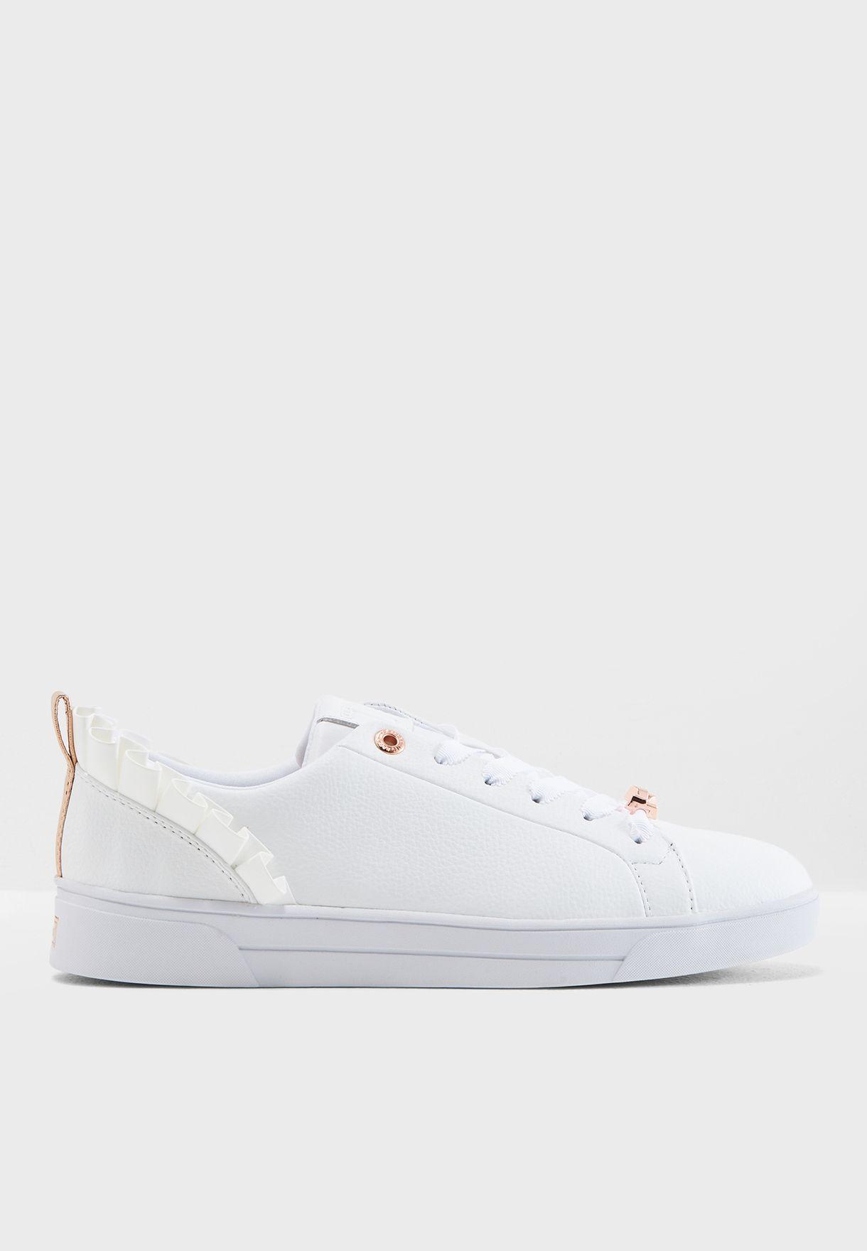 In Astrina 917496 Women White Uae Shop Baker Sneaker For Ted WdCBorex