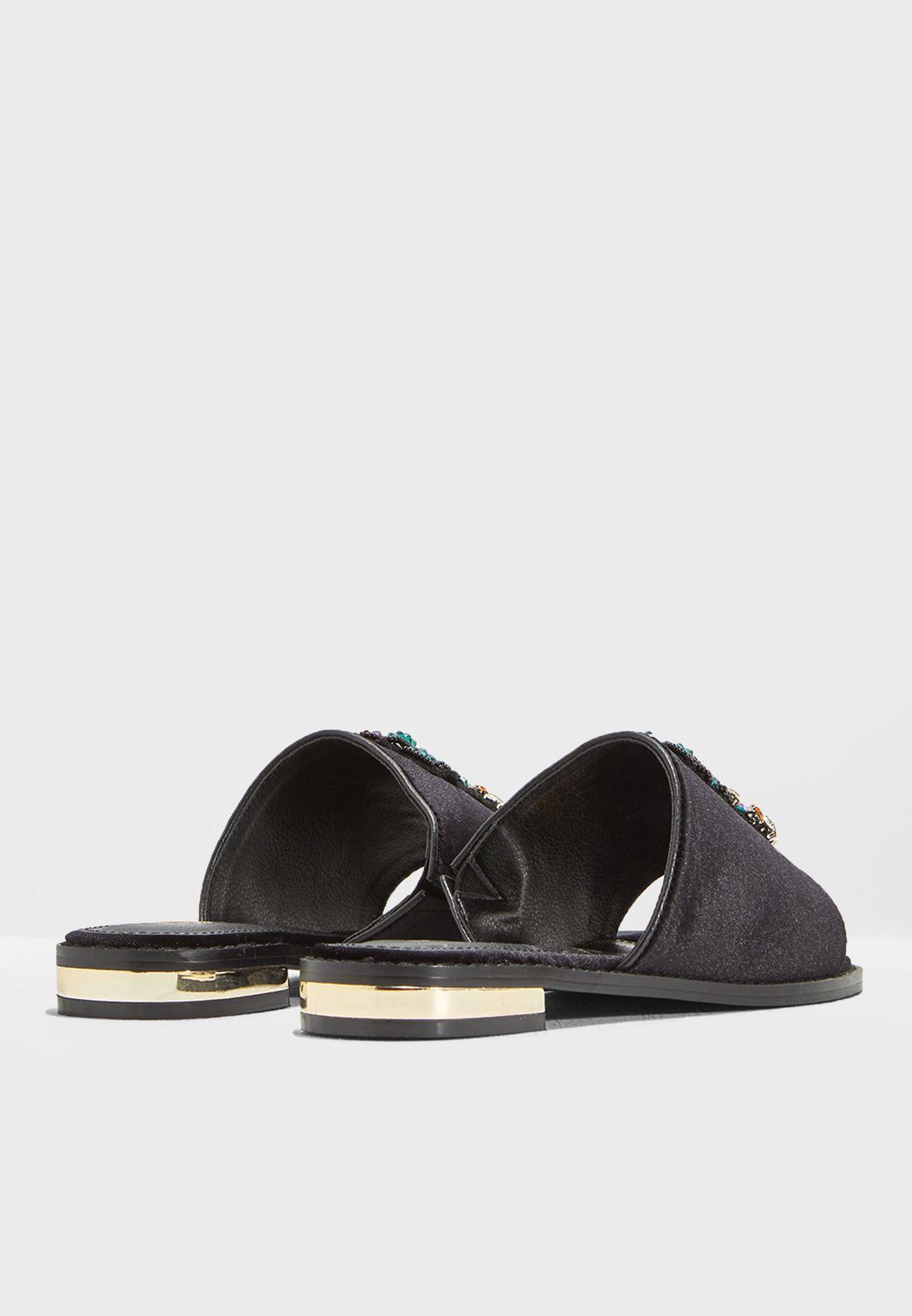 Rona Flat Sandals