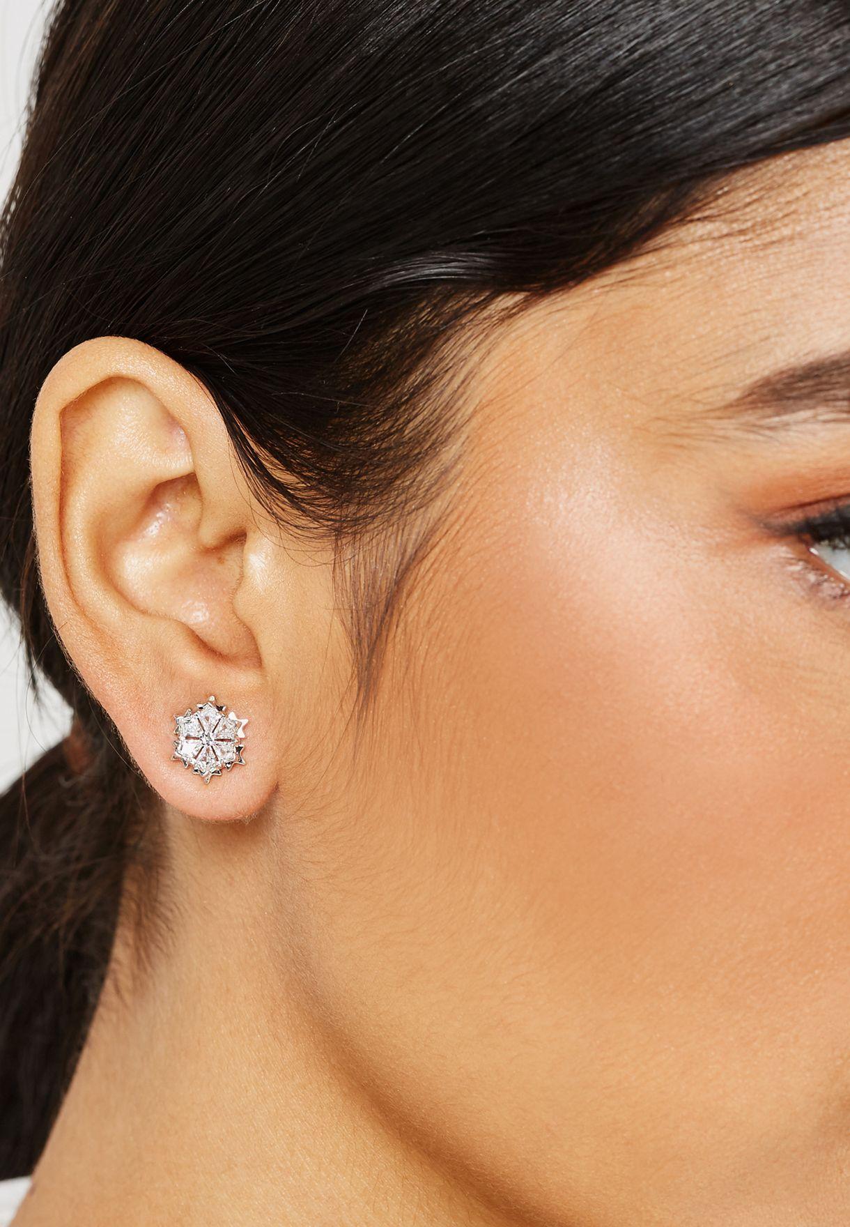 Magic Pe Stud Earrings