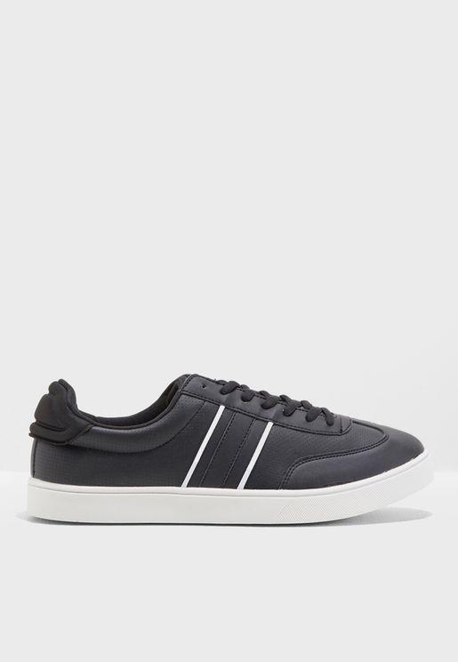 Ollieb Sneakers