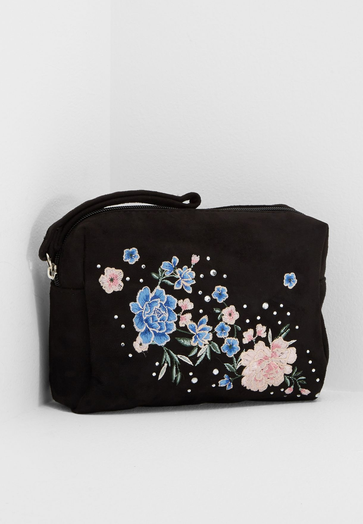 eb36ef48e0 Shop New Look black Embroidered Floral Purse 545521209 for Women in ...