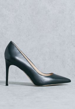 Carmen Pumps