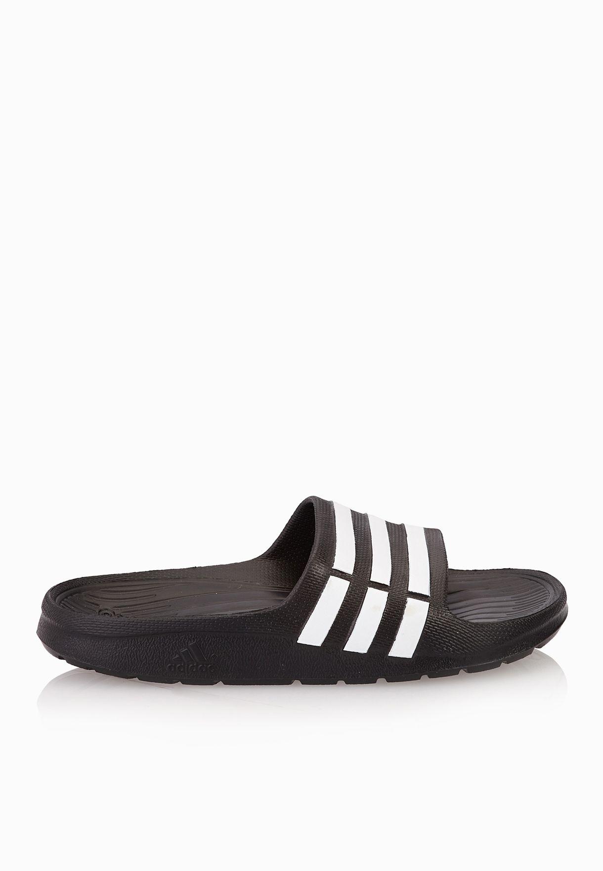 purchase cheap 04065 b4bb2 Shop adidas black Duramo Slides Kids G06799 for Kids in Oman - AD476SH49UQG