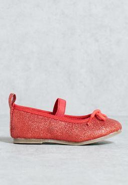 حذاء باليه مزين بالذرات البراقة