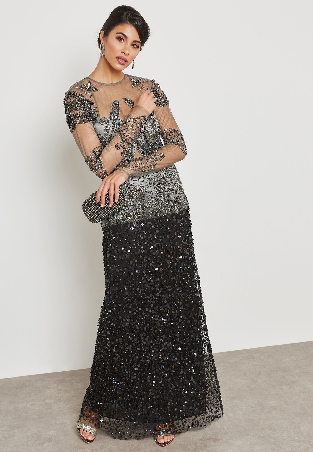فستان مزين بالخرز والترتر