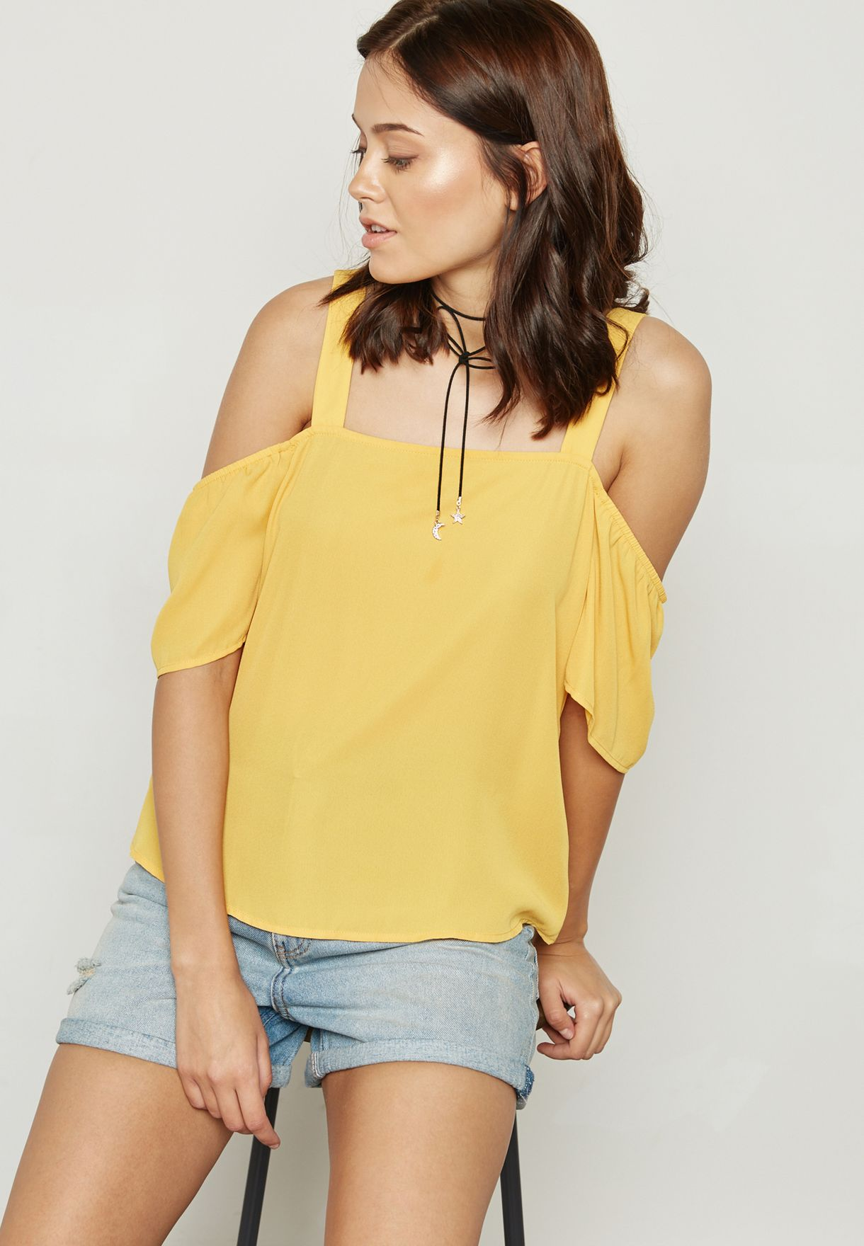 official shop best wholesaler on feet images of Cold Shoulder Top