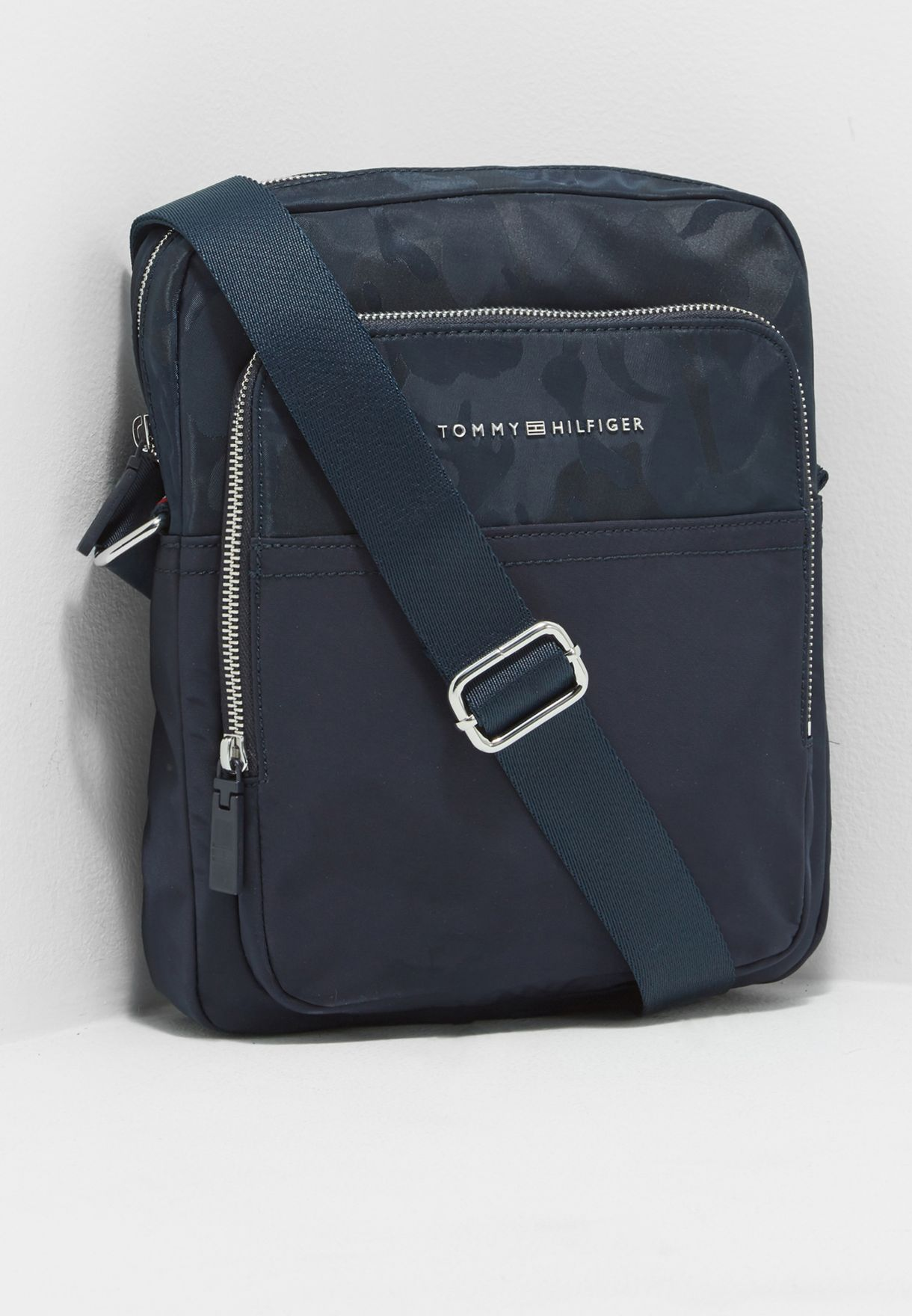 4719d07cd414 Shop Tommy Hilfiger navy Tailored Nylon Slim Reporter Messenger  AM0AM02636413 for Men in Qatar - TO279AC39ADO