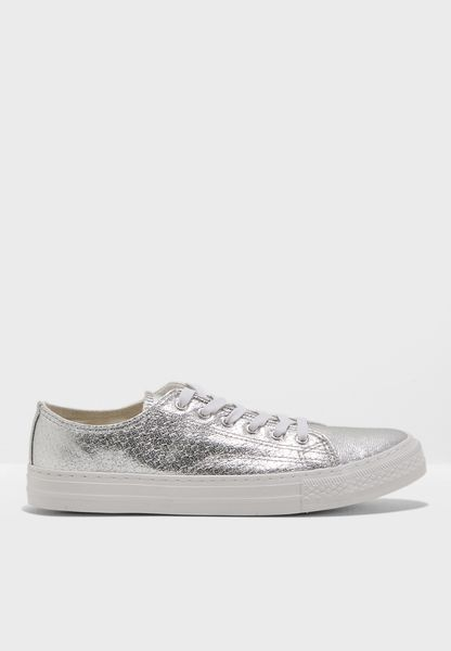 Fab Low Top Sneaker