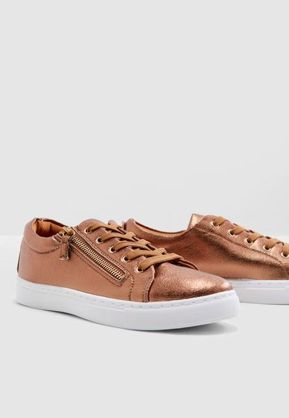 Neity Low Top Sneakers