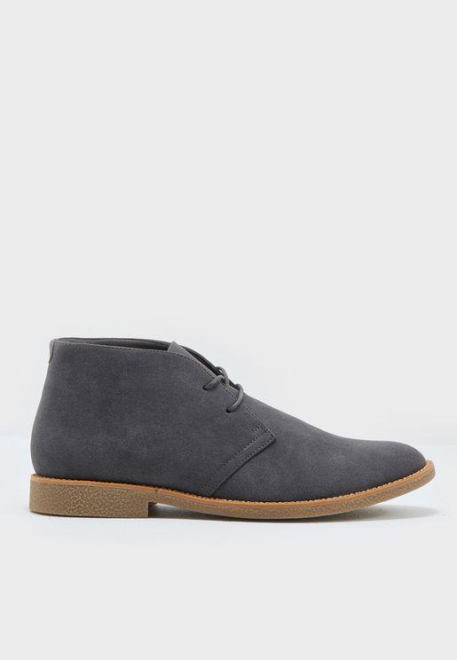 حذاء كاجوال بأربطة