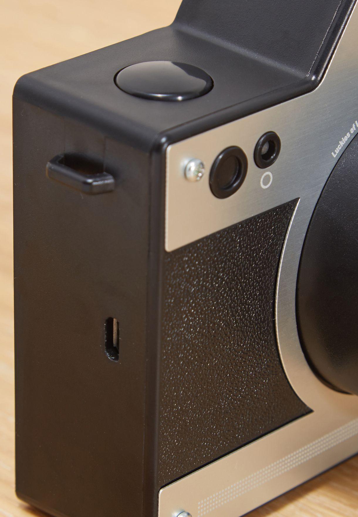 كاميرا رترو مع عدسات مضيئة
