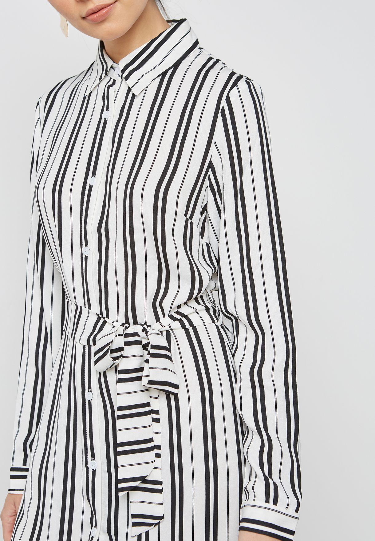 فستان بنمط قميص مخطط