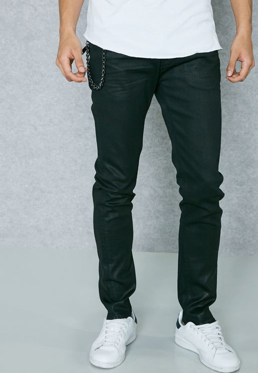 بنطال جينز بتداخلات مدروزة