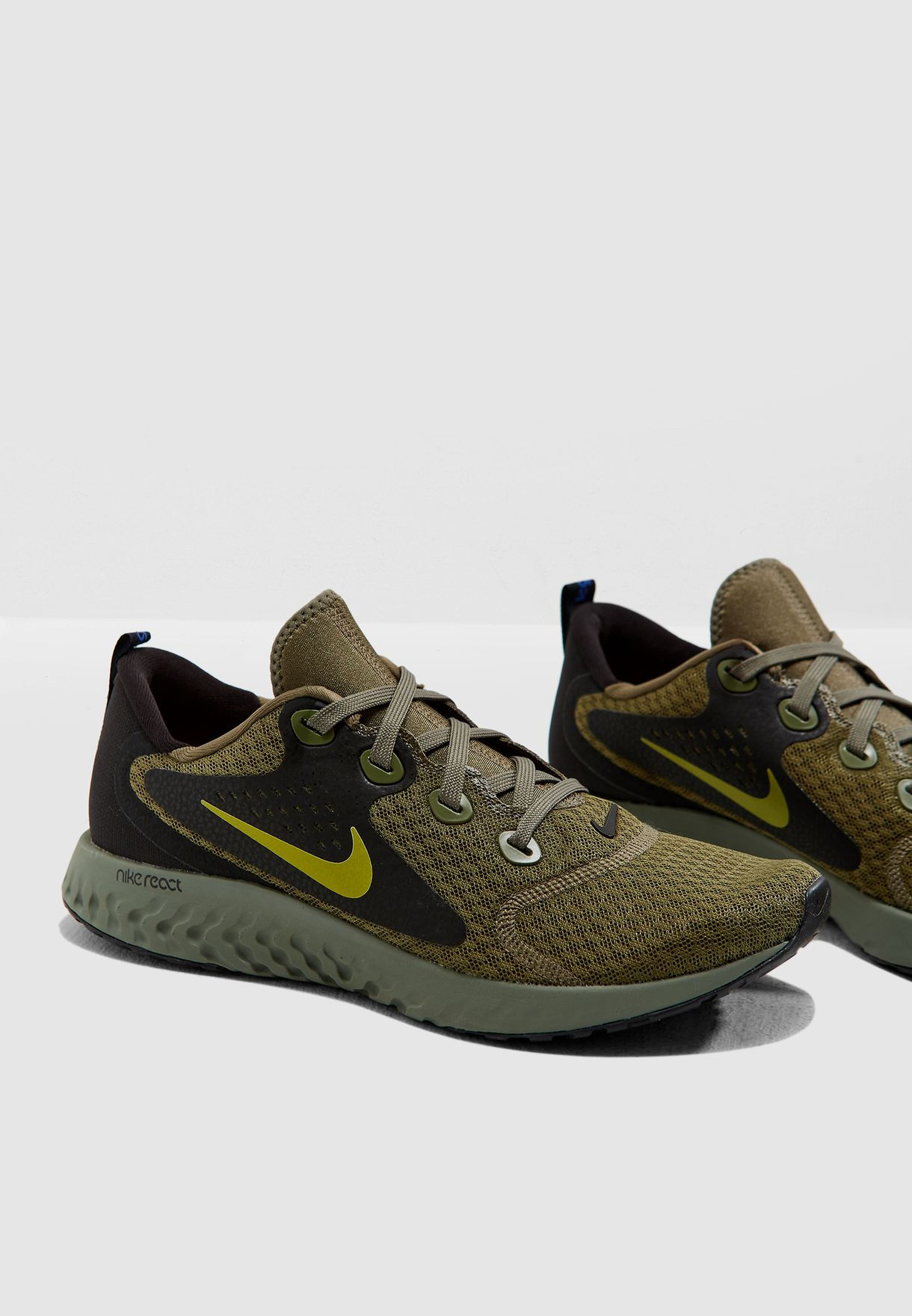 63556c0ff850 Shop Nike green Legend React AA1625-200 for Men in UAE - NI727SH19YYI