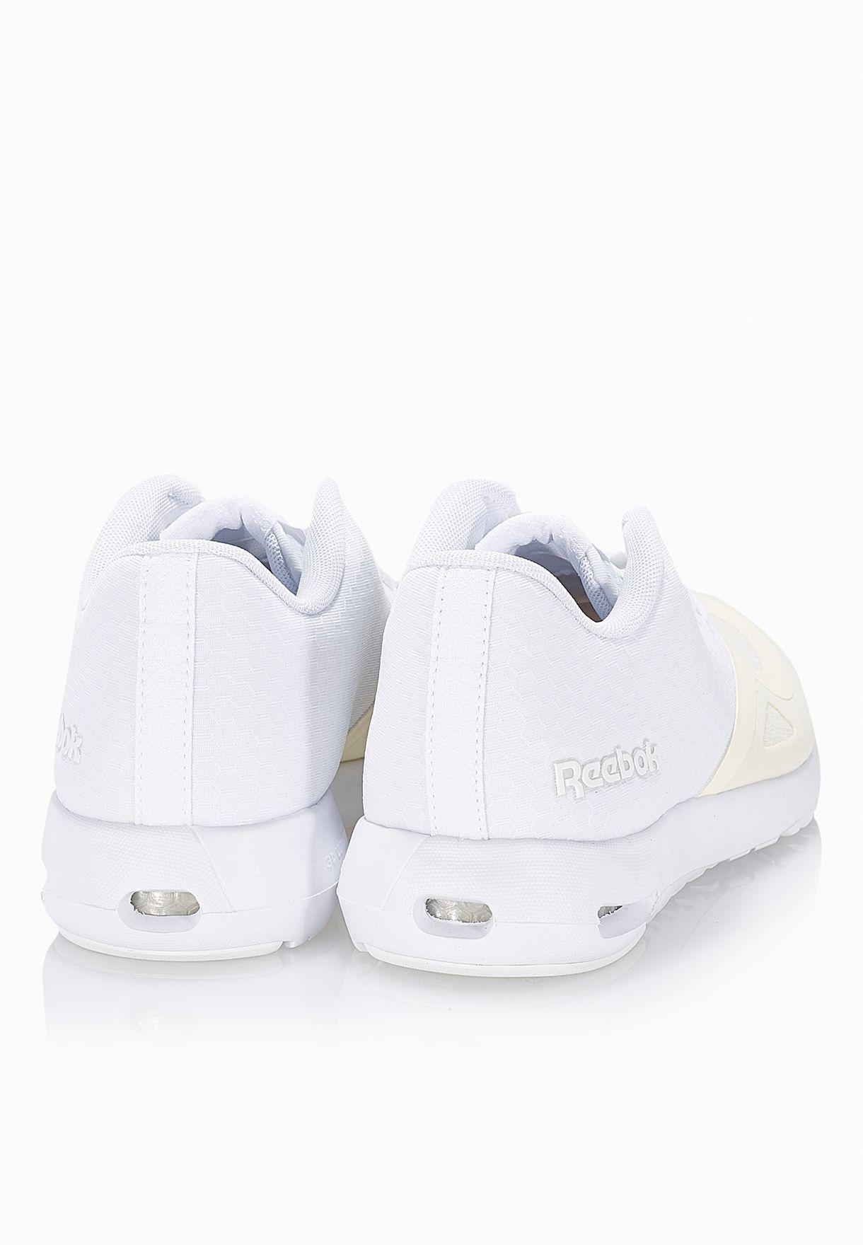 d1b172b40f5a Shop Reebok white Classic Hexalite Advance Runner V71917 for ...