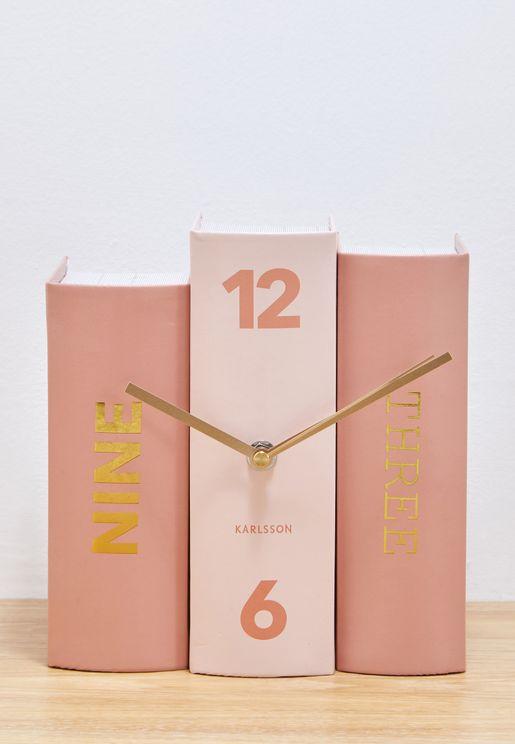 ساعة مكتب بشكل كتب