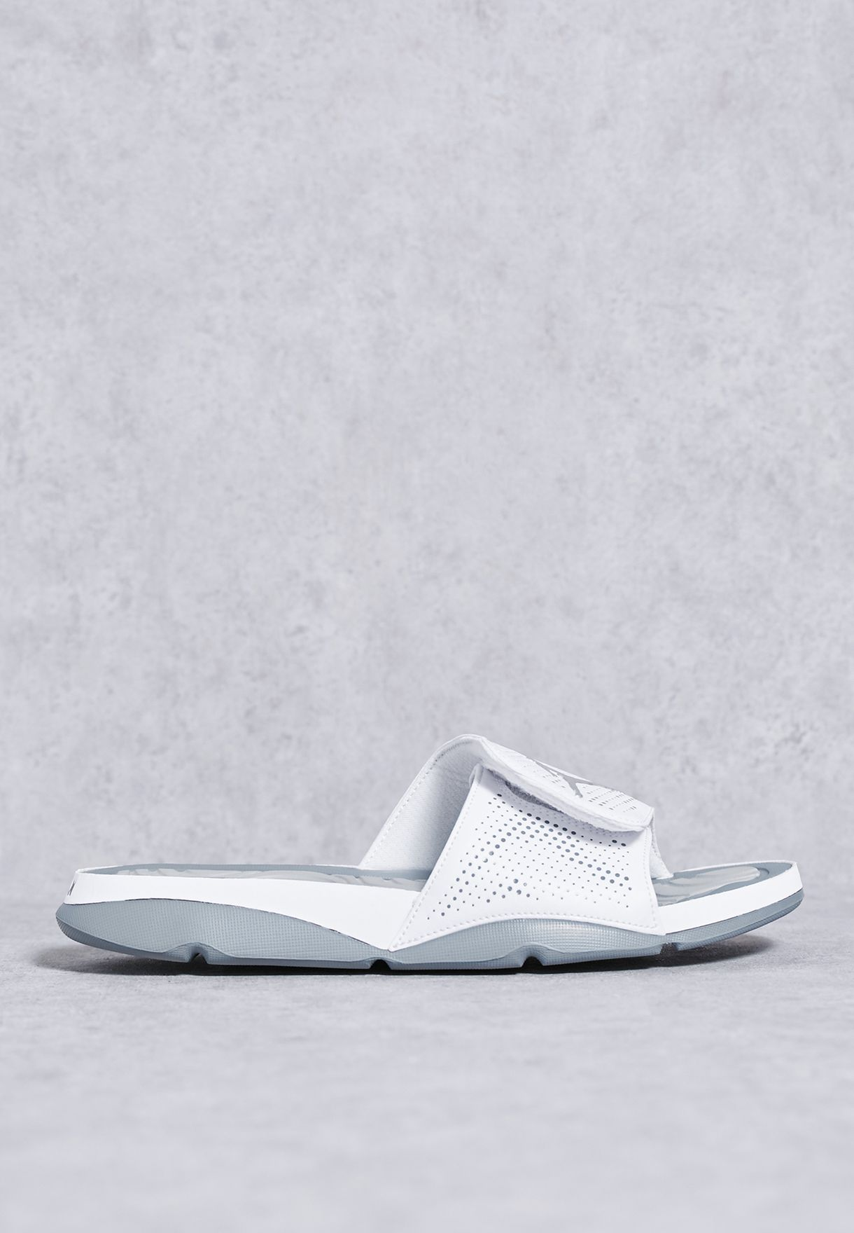e10ede0ed Shop Nike white Jordan Hydro 5 820257-100 for Men in Oman - NI727SH19LIA
