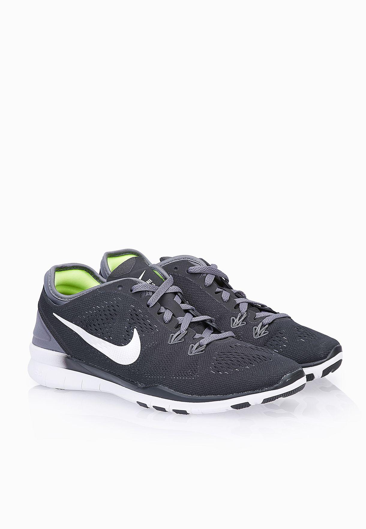 9f13b3254d53 Shop Nike black Free 5.0 TR Fit 5 704674-004 for Women in UAE ...