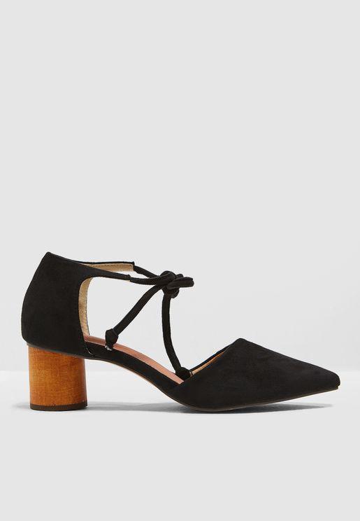 حذاء بسير كاحل يربط