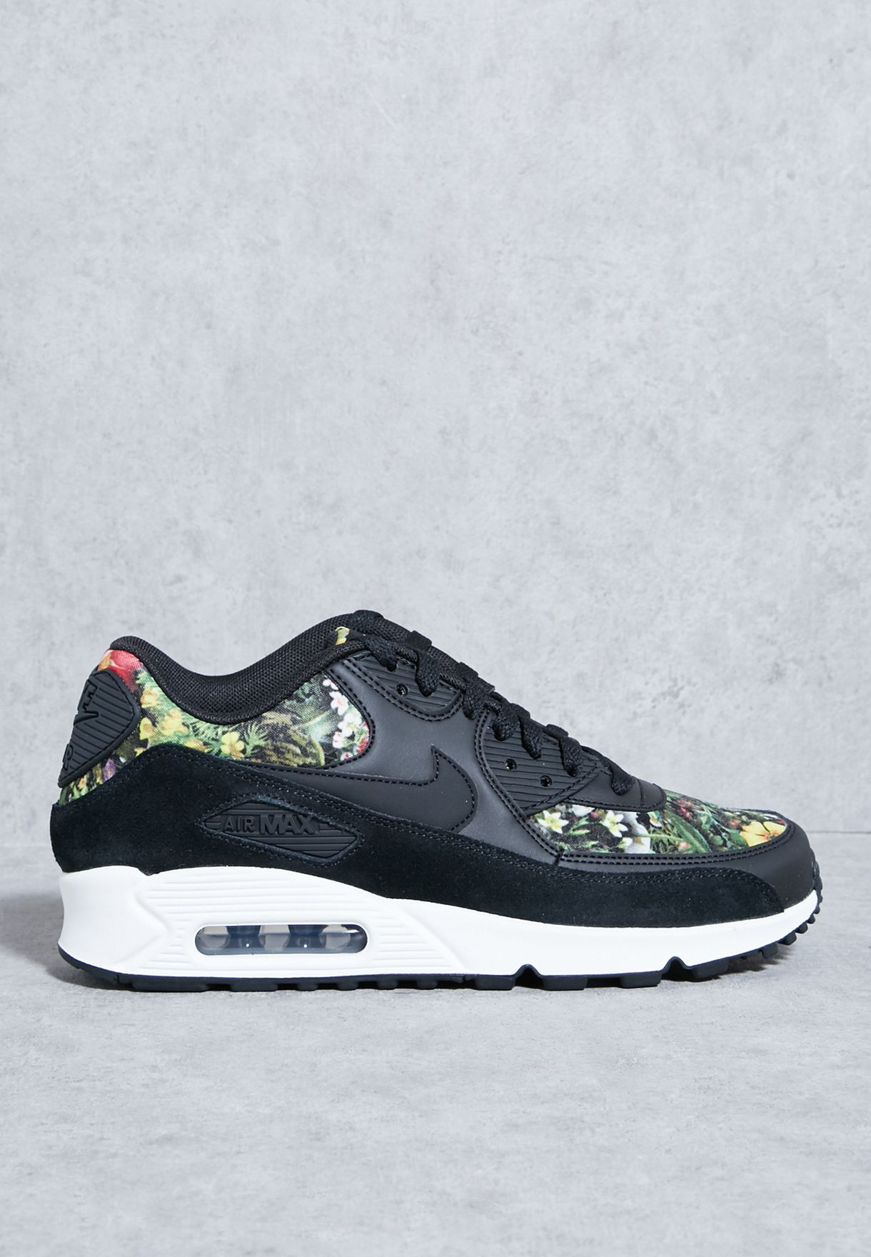 8e4af62aaefe Shop Nike prints Air Max 90 SE 881105-001 for Women in Qatar - NI727SH09ZPM