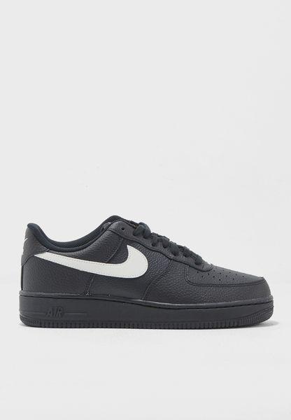 Shop Nike black Air Force 1 '07 AA4083-001 for Men in UAE - NI727SH09MTQ