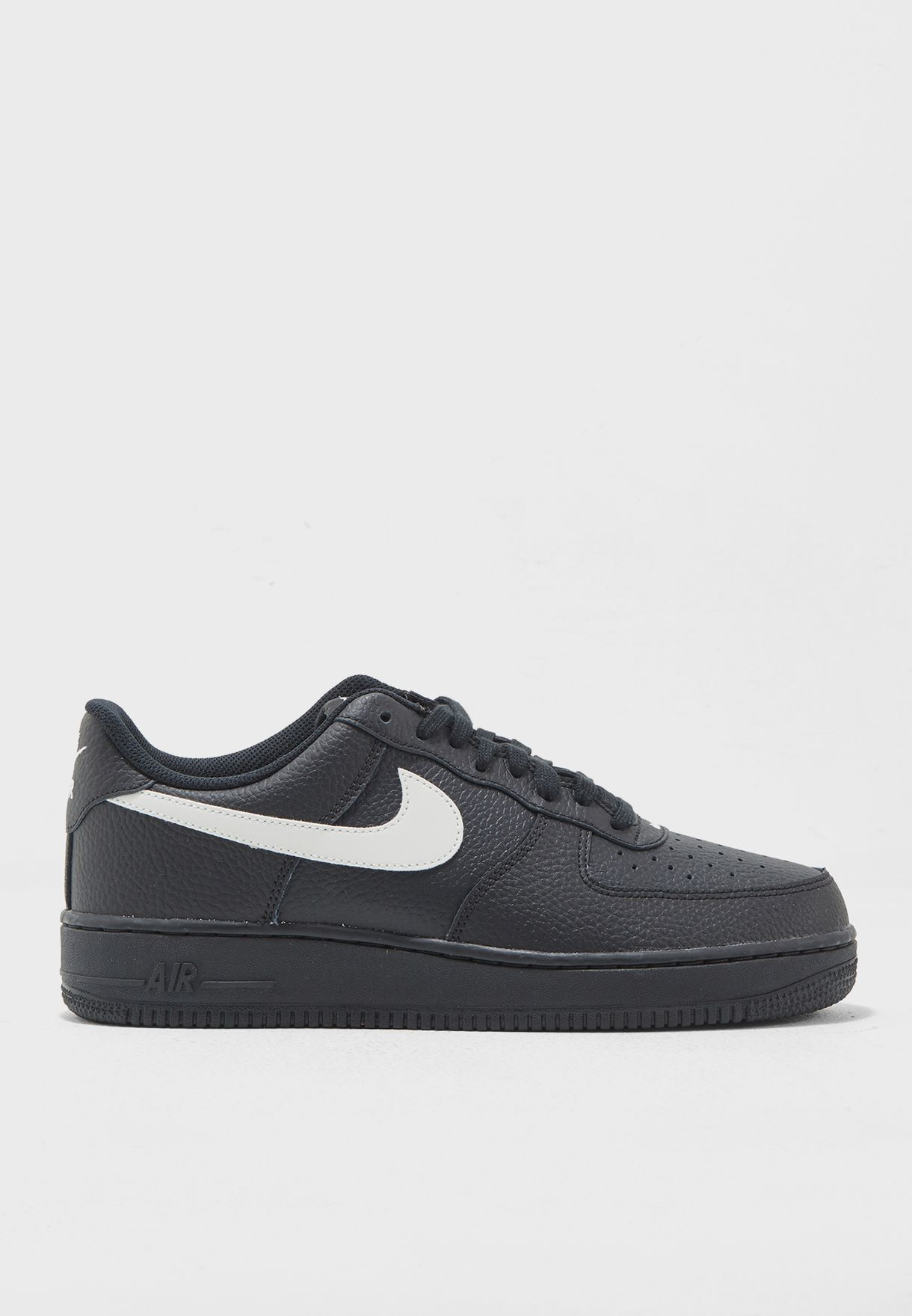 new arrival 04ff5 6698f Shop Nike black Air Force 1   39 07 AA4083-001 for Men in UAE ...