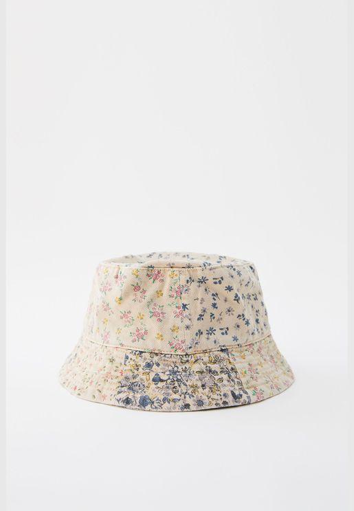 قبعة دلو رقع بأزهار