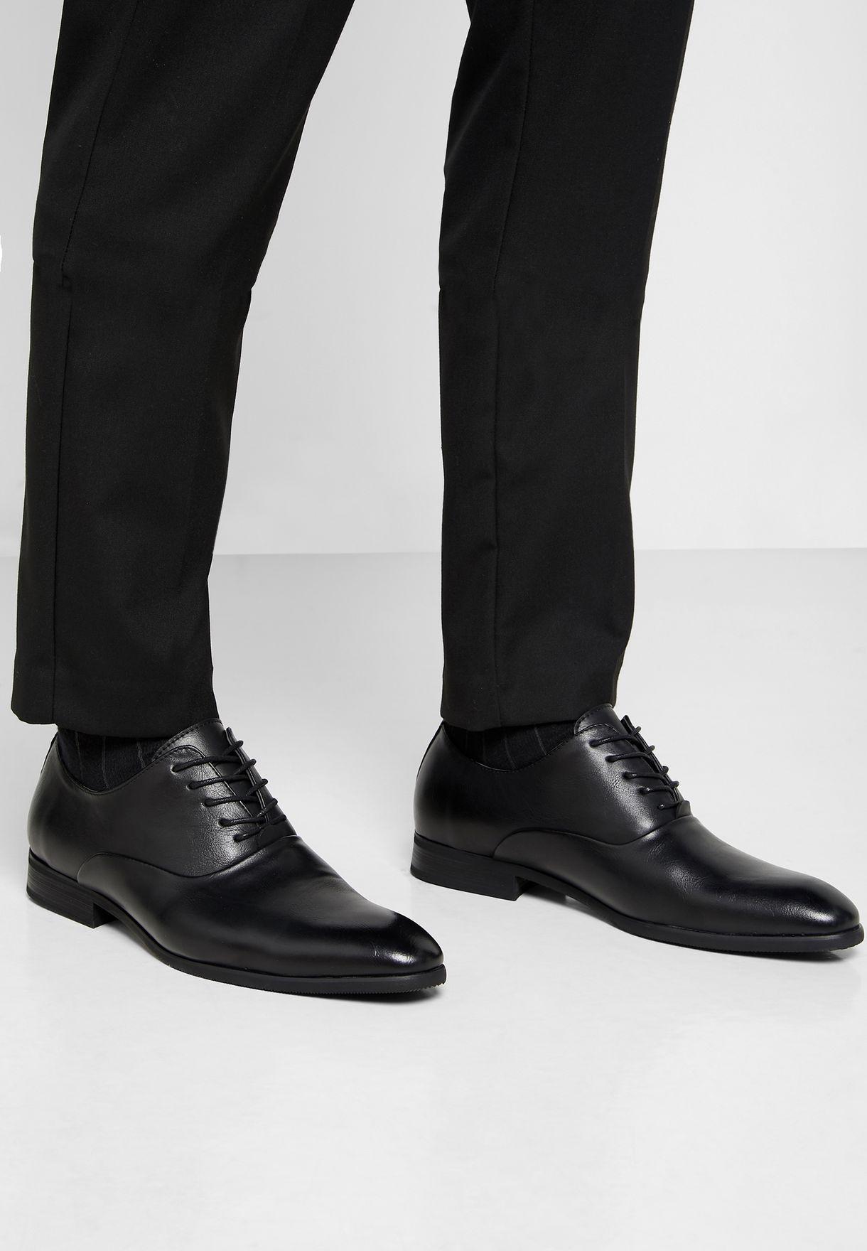 حذاء اكسفورد كلاسيك