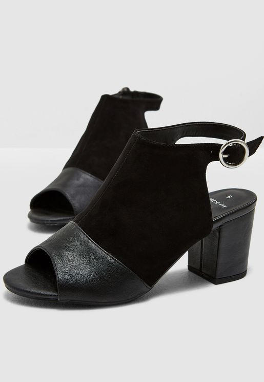 Wide Fit Steffy Sandal