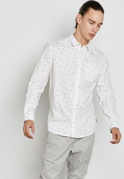 قميص بتصميم مميز