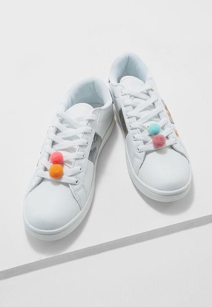 كرات فرو للحذاء