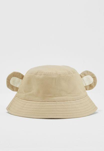 قبعة مزينة بأذني قرد