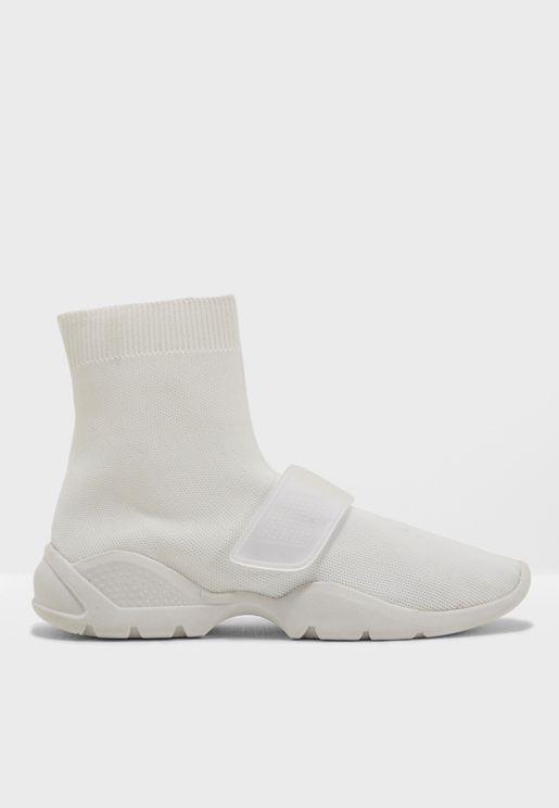 حذاء مريح بنمط الجورب
