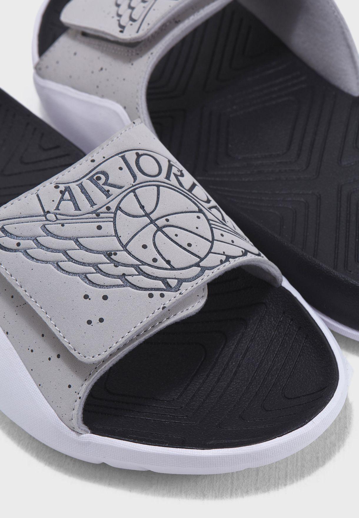 c11dc4af7d058d Shop Nike grey Jordan Hydro 7 AA2517-004 for Men in UAE - NI727SH88HHZ