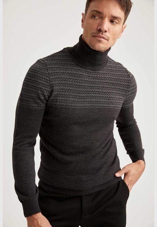 Man Slim Fit Turtle Neck Pullover