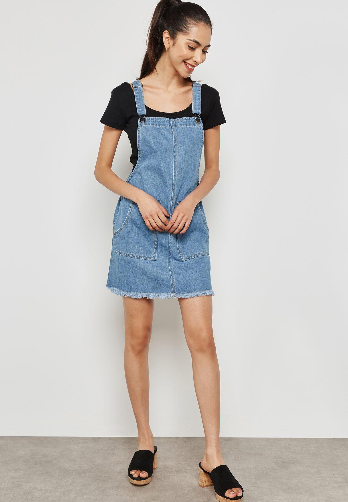 فستان جينز قصير بحمالات