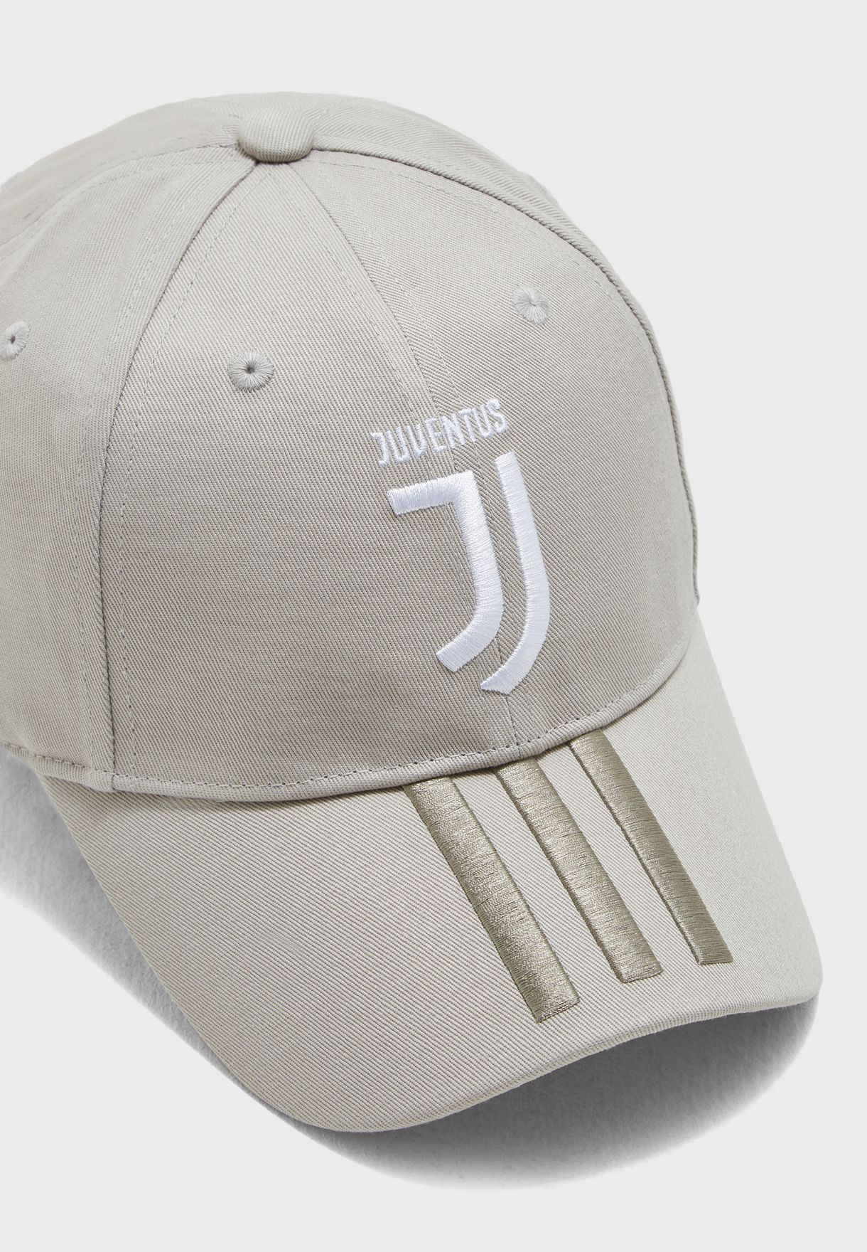c49357675d2 Shop adidas grey Juventus 3 Stripe Cap DL8650 for Men in UAE ...