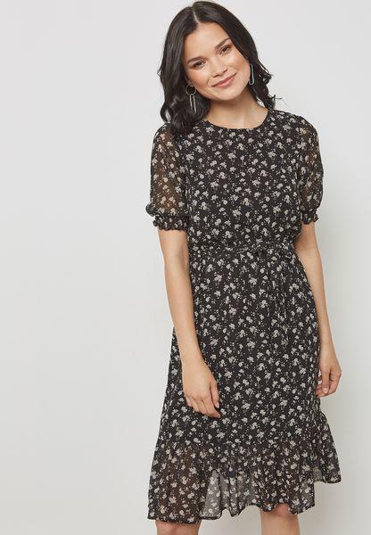 فستان بأجزاء دانتيل واربطة
