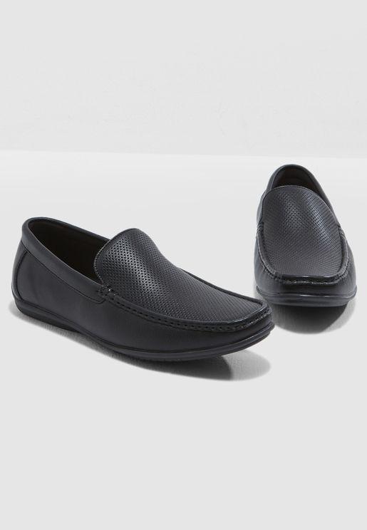 حذاء كلاسيك