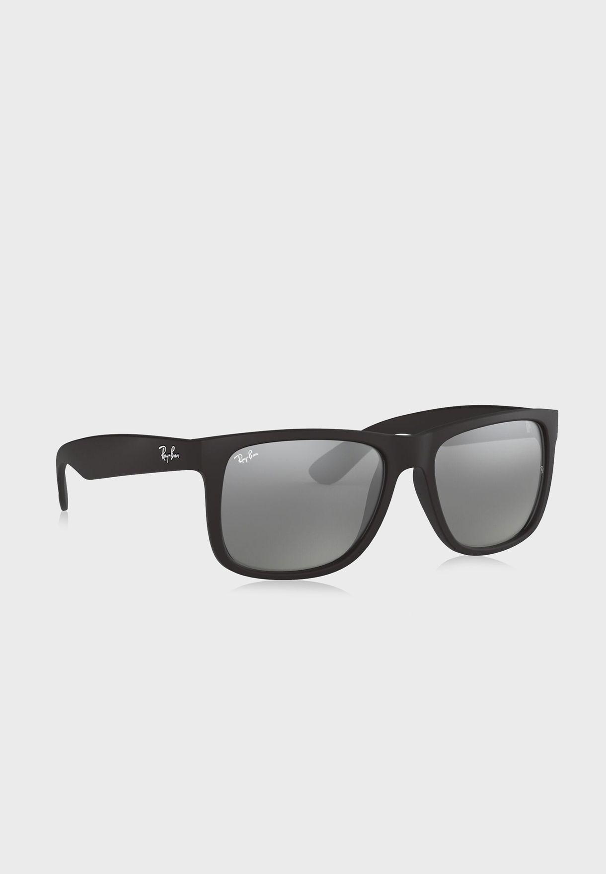 نظارة شمسية بشكل مربع