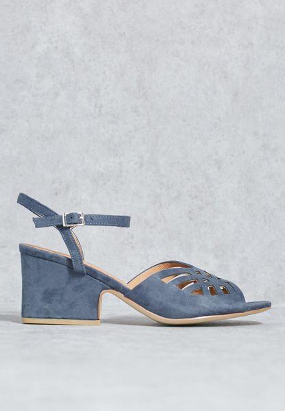 Interest heel sandal